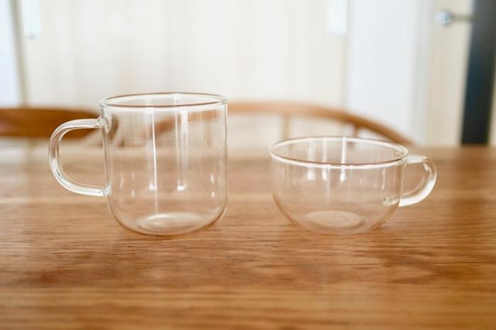 シンプルでおしゃれなカップをお探しの方におすすめなのがこちら。透明なガラス製のマグカップです。冷たいものはもちろん、耐熱ガラスなので温かい飲みものもOK。電子レンジや食洗器にも対応している、使い勝手のいいマグカップです。