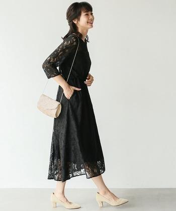 同じ黒であっても、総レースならとても華やかに見えます!程よく肌が透けて見えるドレスはパーティーにもぴったりです。