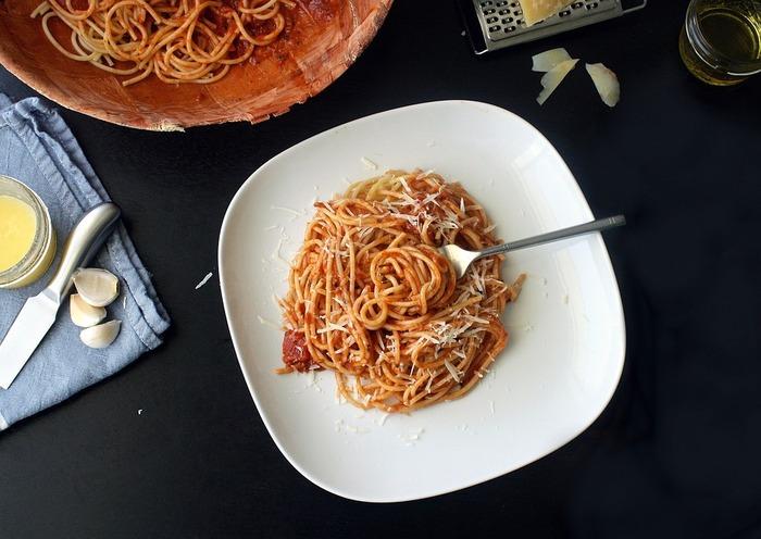 具なし、少ない材料で作れるのにとっても美味しい、シンプルパスタレシピをご紹介しました。 どれも簡単にできるのに絶品♪時間のない時のごはん作りや、いつものパスタレシピに飽きたとき、ぜひ参考にしてみてくださいね。
