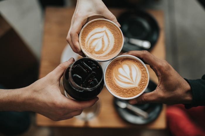 コミュニケーションを上手に取ることができるようになると、以下のような素晴らしい効果が得られます。  ◆良好な人間関係を築くことができる ◆有益な情報を交換・共有することができる ◆無駄な争いや衝突、誤解を招くことを避けられる  つまり、円滑なコミュニケーションとは、人間関係の潤滑油のようなものなのです。