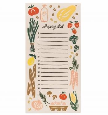 お買い物リストやTODOリストとして使える、ちょっぴり変わったメモ帳。裏面には磁石が付いているので、冷蔵庫やデスクなどに貼って使えるのも魅力的です。