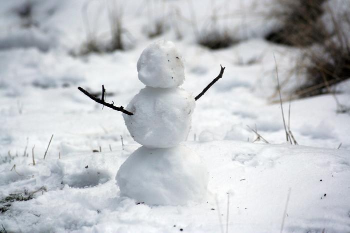 底冷えする寒さの日々が続いていますが、つい、水分補給がなおざりになっていませんか?  乾燥しやすい冬の季節ですが、私たちはというと、「あまり喉が渇かない」「冷たい飲み物ではなくあたたかい飲み物が飲みたいけど、用意するのが手間」などの理由で、無意識のうちに飲み物が遠ざかっていく生活に陥りがち。そこで引き起こされるのが、「かくれ脱水」です。  特にマスクなどをずっとしている方は、喉が渇きにくいため、自分が水分不足であることに気づいてない方が多いそうです。