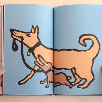 古き良きヨーロッパの広告イラストを正統的に受け継ぐフランスのイラストレーター、ジャン・ジュリアンが手がけた作品です。イラストだけでなく、犬のクッキーや紙細工で作った犬など、沢山の犬で構成されたユーモラスでウィットに富んだ1冊。