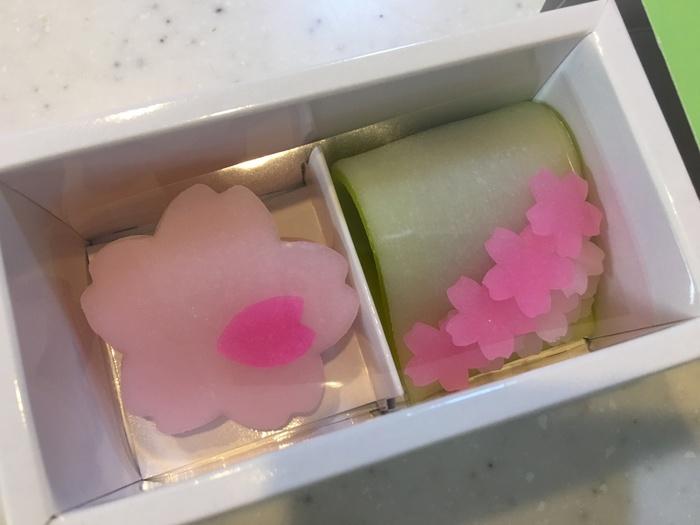 和菓子なのですが、どこかキュートな感じがいいですね。
