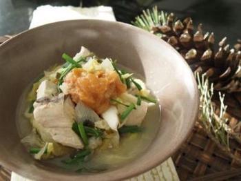 味を濃く煮つける料理が多いぶりも、たっぷりの野菜と生姜や梅の風味だとさっぱり味に大変身! 魚のにおいも気にならなくなります。