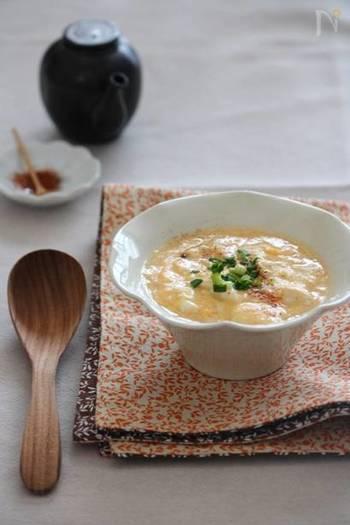寒い時季に食べたい、お豆腐のとろとろかき玉あん。優しい味わいでつるっと食べやすく、消化もよいので風邪をひいた時にもおすすめです。ぜひ覚えておきたいですね。