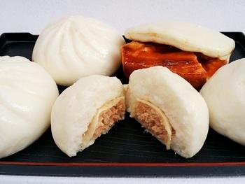 京都ならではの湯葉入り豆乳まんと、味が染み込んだ角煮まんは冬季限定です。
