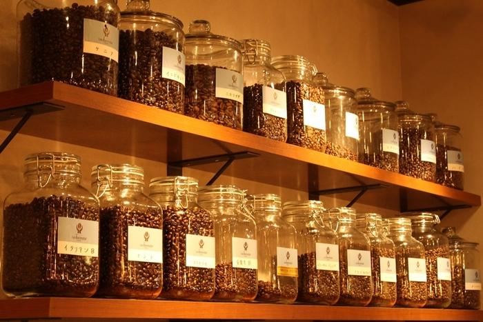 コーヒー豆の選別から焙煎、お水までこだわった美味しいコーヒーが味わえます。