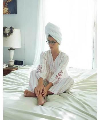 """さらに、パジャマの着方や選び方、お休み前の時間の過ごし方にも着目してみましょう。寒い日も朝までぐっすり眠れる、様々な""""快眠術""""をご紹介します。"""