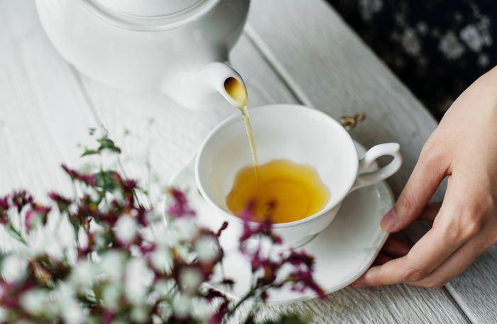 特別な時用にとってある、高い紅茶はありませんか?お客様用にとなかなか手を出さずにいるのであれば、たまには自分用にゆっくり入れて、香りや味を楽しんでみましょう。