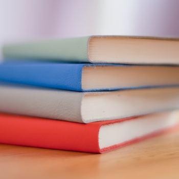 革張りのノート、ちょっと贅沢ですが、使ってみると病みつきになります。