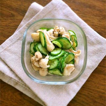 鶏皮&キュウリだけのコスパ抜群レシピ。箸休めにピッタリなポン酢風味のさっぱり味。