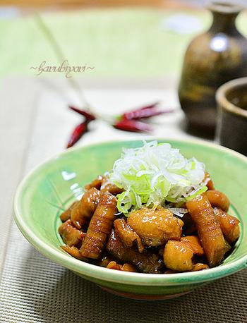 濃いめの味付けで、ご飯が進む味。日本酒やビールなど、お酒との相性もバツグンです。
