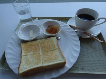 こだわりのコーヒーがいただけるお店として地元の方にも人気とか。トーストなどの軽食もいただくことができます。観光情報などもチェックできるので、函館を訪れたら、一度立ち寄っておくと新しい出会いがあるかも。