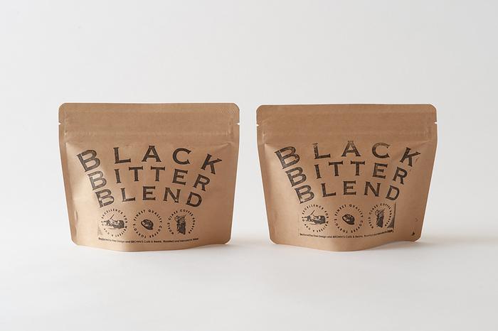 次にご紹介するのは、キナリノでお馴染みの人気ショップ『Free Design(フリー デザイン)』さんと、コーヒーとカフェプロデュースのユニット『BROWN'S Cafe&Beans(ブラウンズカフェ&ビンズ)』さんのコラボレーションから生まれたオリジナルブレンドコーヒー「BLACK BITTER BLEND(ブラック ビター ブレンド)」です。