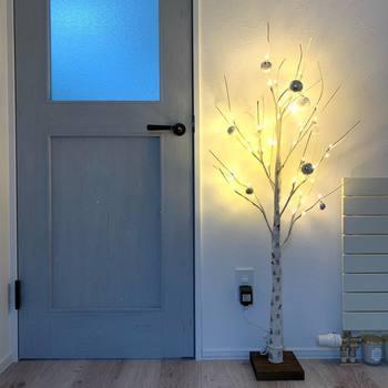 グレーの木目調のドアは、北欧風でかわいいですね。