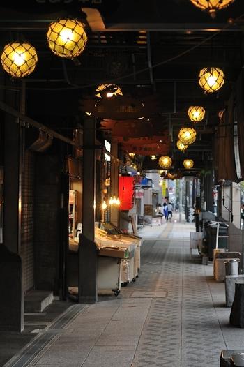 いかがでしたでしょうか。  今回は、憧れの「海鮮食べ歩き」を叶える、札幌の市場をご紹介しました。  北海道・札幌に来たからには美味しい海鮮を頬張って、美味しい思い出の旅を楽しんでみてはいかがでしょうか。