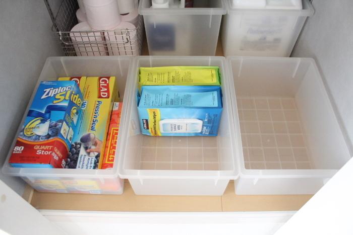防災対策としてもストックしておきたいジップロック。 買い置きする場合は置き場所を決め、ボックスやかごにまとめて入れておくと、把握しやすくなります。