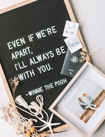 思い出の写真がつまったフォトアルバムには、写真だけでなく手紙やメッセージを添えると、ページをめくるワクワク感が増します。その時々のあなたの気持ちを吹き出しにしたり、最後のページに手紙を忍ばせたり、相手が喜ぶようなサプライズをあなた自身も楽しんで作ってみてくださいね。