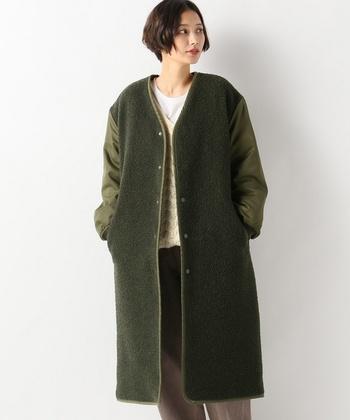 異素材を組み合わせた、大人な女性にピッタリなミリタリーコート。裏地にキルトを使用しているので、温かさも◎。雰囲気のある着こなしを楽しみましょう。