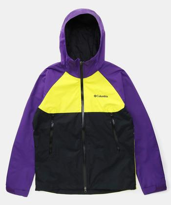 「コロンビア」は、アウタージャケットとインナージャケットをジッパーで着脱し、気候に合わせて3通りの着こなしができるアウターを考案し、多機能な製品を作るアウトドアウェアブランドとして、広く知れ渡りました。過去には、全米1位のシェアを誇るアウトドアブランドとなったこともあり、その機能性の高さはお墨付きと言えそう。