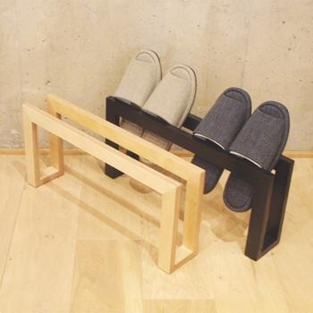 抱き合わせせずに、スリッパを表向きのまま揃えて収納することもでき、2通りの収納を楽しむことが出来ます。