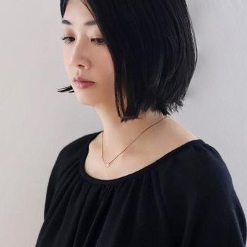 着物の刺繍に使われている絹糸や、金銀糸を編み込んだ技法で、シンプルなのに個性派のアクセサリーを作っている「Amito(アミト)」。