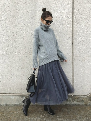 冬に大活躍なタートルニックですが割りとシンプルなデザインのものが多いですよね。ぜひヘアスタイルでメリハリをつけて自分らしい冬のファッションを楽しみましょう!