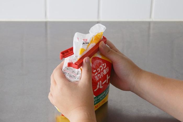 もとは医療用だけあり、水が入った袋でも完全密封できるほどの密封力を誇ります。さらに-20℃の冷凍庫でも使えるほど耐久性も抜群。