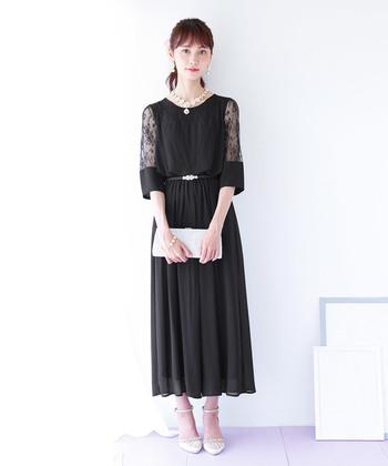 ゆったりとしたドレープが美しい、ワイドパンツタイプのオールインワンドレス。着心地の良さと華やかさを兼ね備えた、ちょっと欲張りなドレスです。