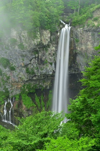 """【日光】四季折々の""""自然美""""に魅せられて。「華厳の滝」観光&お出かけガイド"""