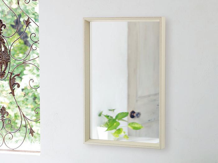 お部屋にある「鏡の位置」を意識していますか?使いやすい場所に何気なく置いているという人は多いはず。どうやら鏡を置く場所によって、運気は変わってくるようなんです。幸せになれる鏡の置き方を考えていきましょう!