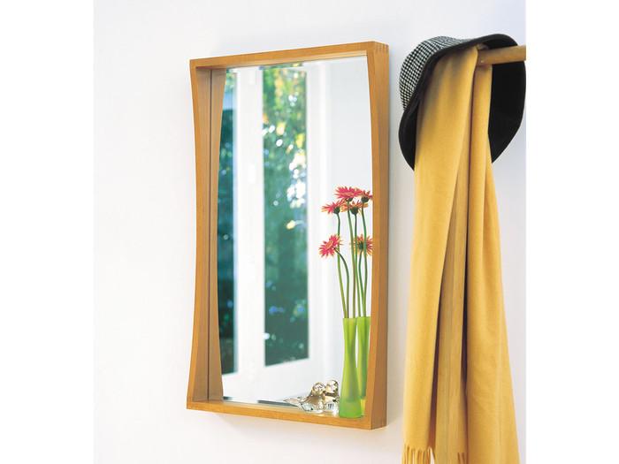 自分のおうちの玄関には、どんな鏡が合うのでしょうか?スペースや用途に合わせて選んでみましょう!狭い玄関でも取り付けやすいのが、こんな貼り付けるタイプの鏡。出掛ける前にささっと身だしなみを整えるのにも便利◎
