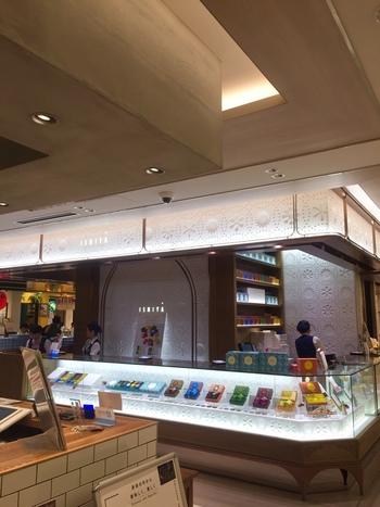 GINZA SIXの地下2階に店舗を構えています。全国への配送も行っているので、東京から遠いところにお住まいの方もうれしいですね。