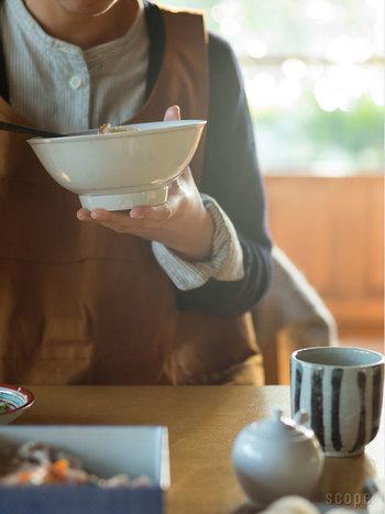 ワンボウルで洗い物も少なく簡単に作ることができる丼。丼というとなんとなく高カロリーになってしまうという印象があると思いますが、アイデア次第で栄養バランスもよくヘルシーな丼を作ることができるんですよ。