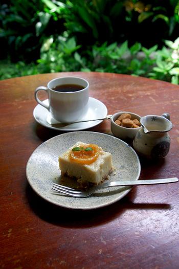 こちらで食べてみたいのが「酒粕レモンケーキ」。甘酒のようなテイストで甘さ控えめさっぱりとした大人のレモンケーキ。