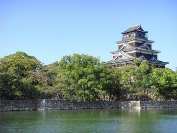 広島城、平和記念公園、宮島の厳島神社といった観光地、そして、魅力的なお買い物スポットが点在する「広島」。  前もって観光地をチェックして、「行きたいところがたくさん!」という方は多いのではないでしょうか。