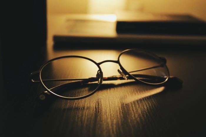 """スマホが当たり前の今、知らず知らずのうちに疲れているのが""""目""""。眼精疲労は放っておくと、頭痛や肩こり、不眠の原因になってしまいます。"""