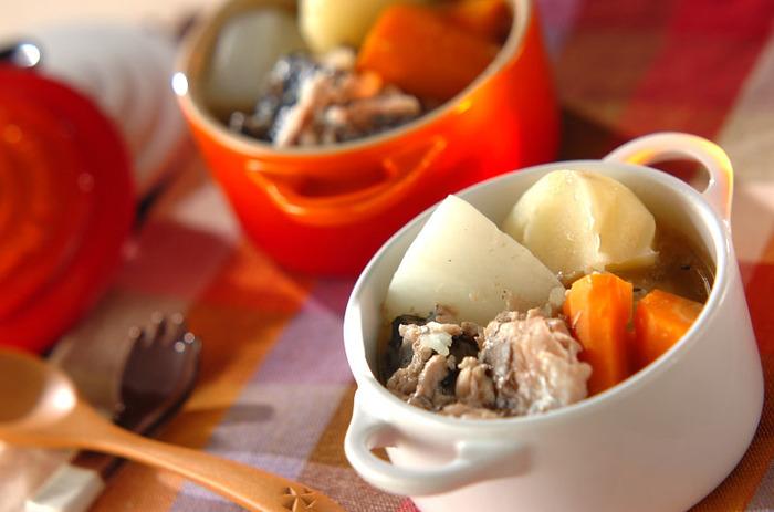 和風テイストのチーズレシピの〆はサバの缶詰を使って時短で簡単に作れる「サバのポトフ」がオススメです。カルシウムもたっぷりで美味しいですよ!