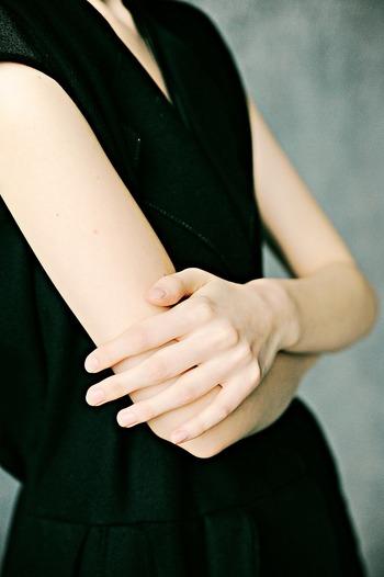 二の腕や肩周りに必要以上に筋肉がついてしまっては、美しい二の腕のラインを手に入れることが難しくなってしまいます。体幹を鍛えることは実はとても重要なことなのです。