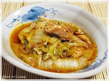 こちらは、人気の鯖缶を使って、韓国風の味に仕上げた煮物。韓国のだし「ダシダ」がいい味を出してくれます。いつもの煮物をアレンジさせたいときにいいですね。