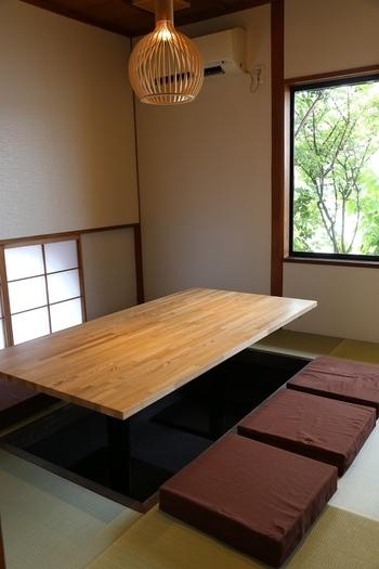 テーブルやカウンター席の他、掘りごたつ式の個室もあるので、ゆったりランチがいただけます。