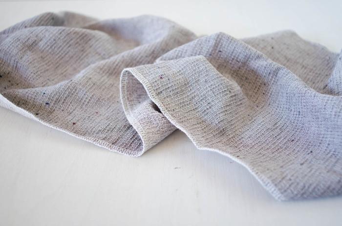 ネップ素材がタオルに表情を添えてくれています。さらりとした肌触りで、乾くのも早くて使いやすい。