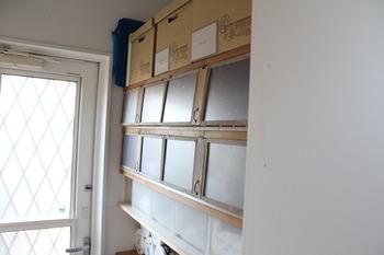 雑多な印象になりがちなパントリーの棚も、扉をつけることでスッキリした印象になります。オープン棚の収納でお悩みの方は、ぜひブロガーさんの素敵なDIYを参考にしてみてはいかがでしょうか。