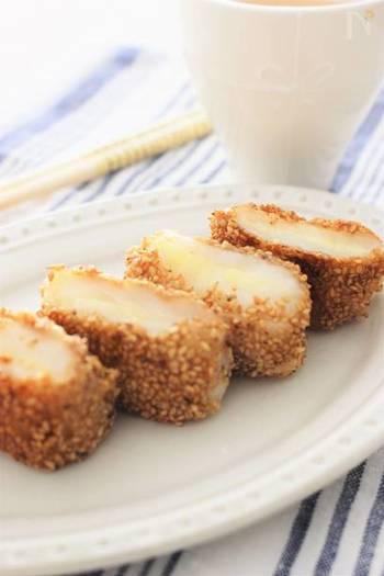 お正月に余ったお餅もちょっと手を加えていつもと違う味を楽しんでみては?ゴマとチーズで満腹感も得られるので、ちょっと小腹が空いた時やしっかりめのおやつとしてもいいかも。