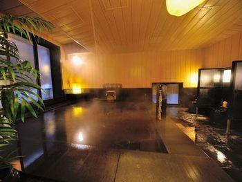 温泉旅館と比べると、アクセスも良く価格も手頃な事から、若い方の利用に加えて、仕事で疲れている出張中のサラリーマンにも人気があるんです。