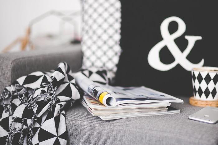 休憩の間は、なるべく仕事のことは忘れてしまうのがベストです。仕事以外で、自分がリフレッシュ出来ること、仕事とは関係のない本を読んだり、好きなドリンクを飲んだり、職場の同僚とお話をしたり…しましょう。