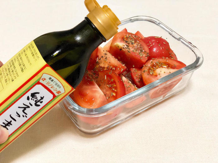 いかがでしたでしょうか。えごま油や亜麻仁油など、オメガ3系のオイルを毎日生で、すこしずつ。こんなにレシピのバリエーションがあれば、日常の食卓に、気軽に取り入れられますね♪  もちろん魚中心の和食にシフトすれば、えごま油や亜麻仁油は不要です。オメガのバランスを考えて、自分で健康的な食生活をコントロールしましょう。