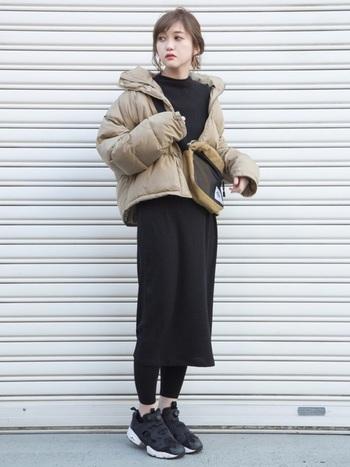 冬から春へのスイッチコーデに役立つワンピは一枚で着ても様になるワンピです。首元が詰まっているので、一枚でも寒々しい印象になりません。