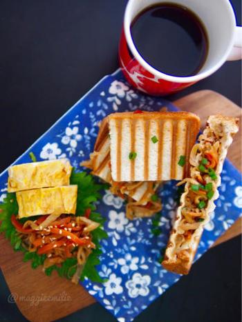 少し残ったきんぴらごぼう。あったらそれをパンに挟んでしまいましょう!新しいサンドイッチの発見ができるレシピです。
